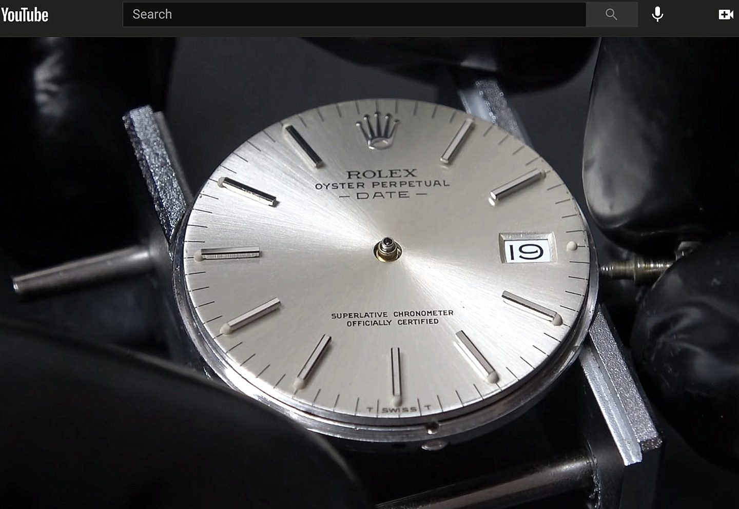 Restoration of a Vintage Rolex Oyster Perpetual Date (from Red Dead Restoration)